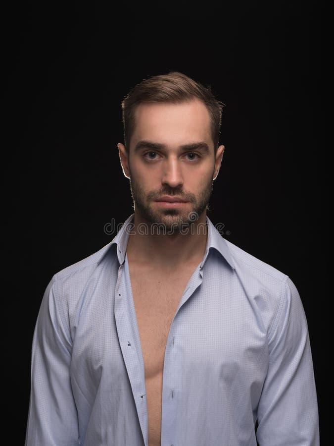 Corps d'homme Portrait de jeune type sexy beau image libre de droits