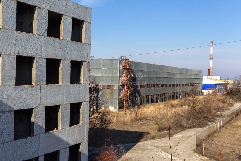Corps d'un vieil ensemble industriel abandonné Constructi abandonné photographie stock