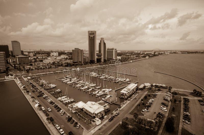Corpus Christi Texas Aerial View sobre o porto e a skyline do centro foto de stock royalty free