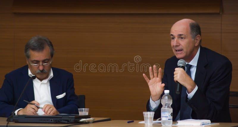 Corrado passera konferenci prasa fotografia royalty free