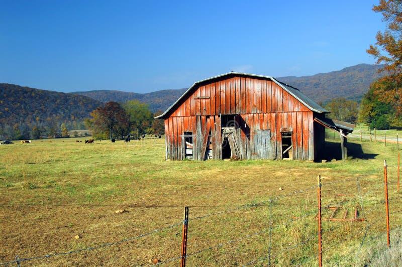 Corral y otoño en Ozarks imagen de archivo libre de regalías