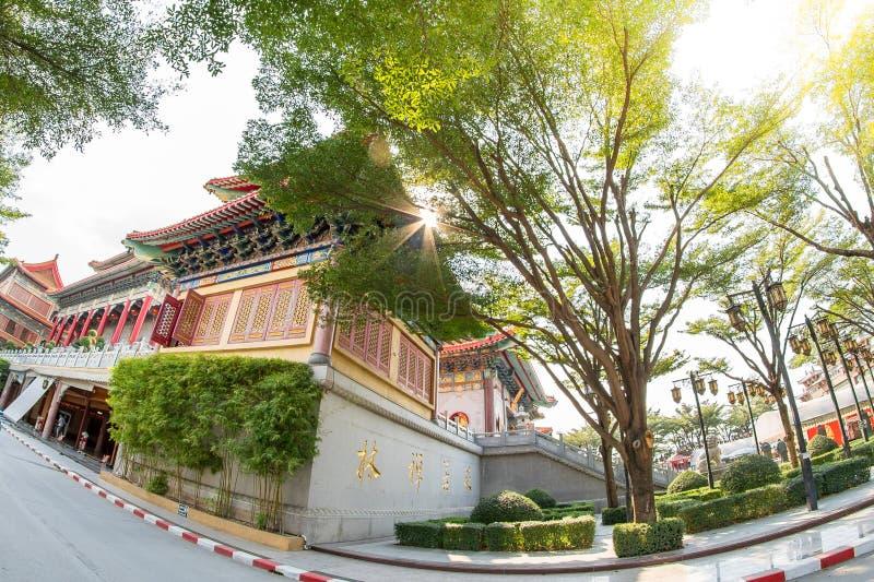 Correa de Bua de la explosión, Nonthaburi, Tailandia - 17 de enero de 2019: Lugar de culto f del templo 2 de Borom Racha Kanchana foto de archivo