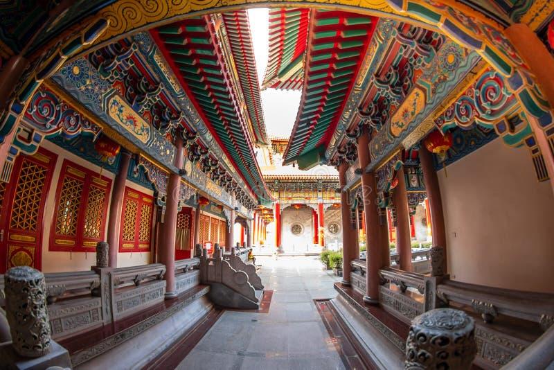 Correa de Bua de la explosi?n, Nonthaburi, Tailandia - 17 de enero de 2019: Lugar de culto f del templo 2 de Borom Racha Kanchana foto de archivo