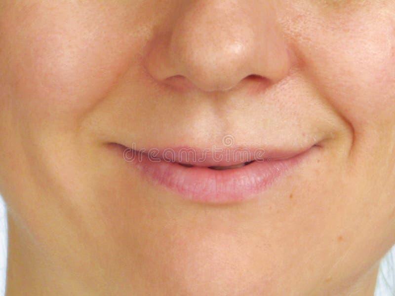 Corrección de arrugas en la mitad de la cara imagenes de archivo