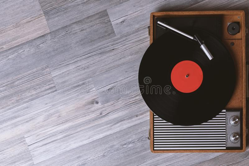 Correcte technologie voor DJ om muziek te mengen te spelen royalty-vrije stock afbeelding