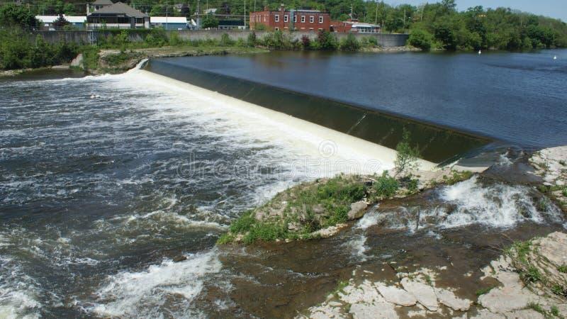 Corredeira grande do rio - Cambridge, Ontário, Canadá fotografia de stock royalty free