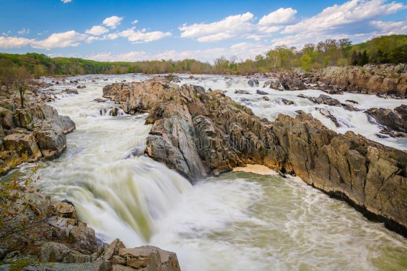 Corredeira no Rio Potomac no parque de Great Falls, Virgínia imagens de stock