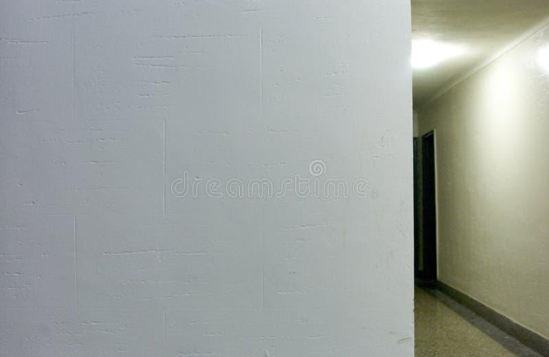 Download Corredor foto de stock. Imagem de parede, interior, perigo - 65074