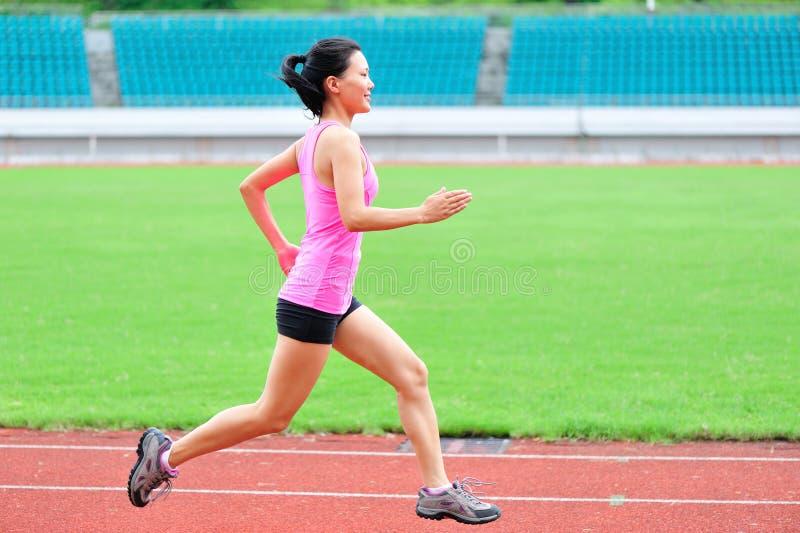 Corredor asiático do corredor da mulher fotos de stock