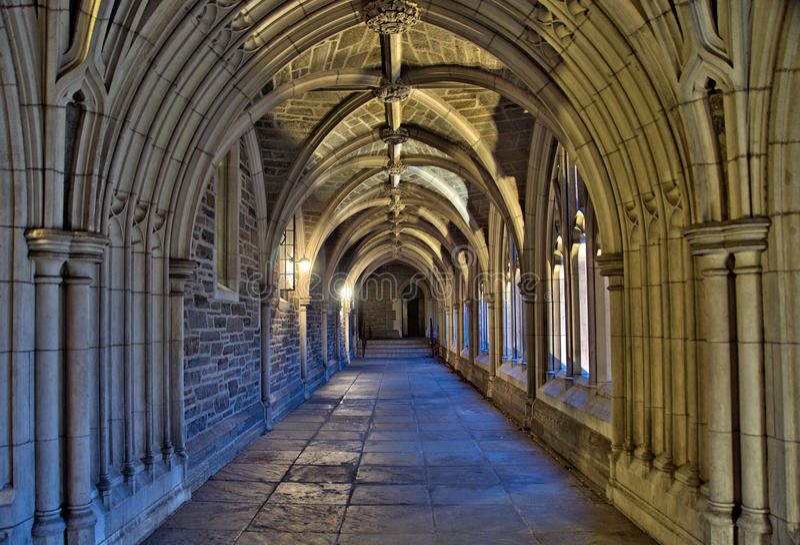 Corredor da Universidade de Princeton no crepúsculo fotografia de stock