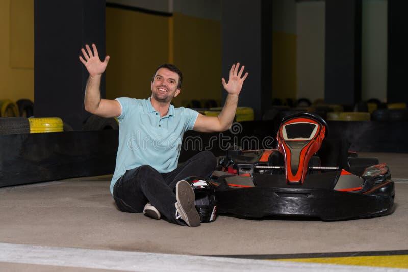 Corredor de Karting del hombre joven fotografía de archivo