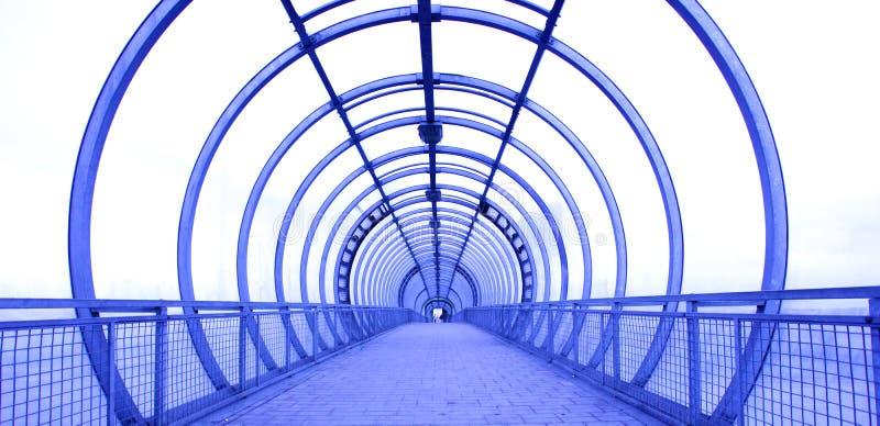 Corredor de vidro azul imagens de stock