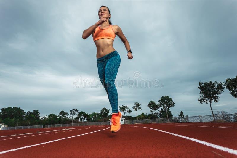 Corredor do atleta do velocista imagem de stock