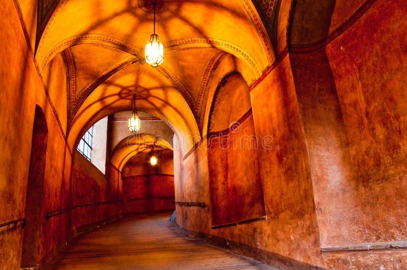 Corredor histórico no castelo imagens de stock royalty free