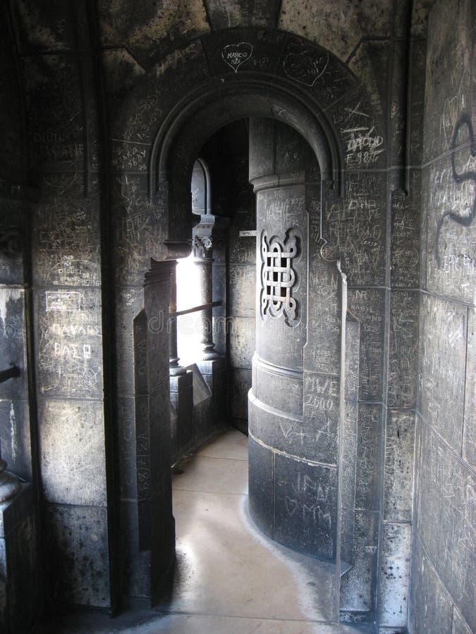 Corredor medieval da igreja de Sacre Coeur - Paris foto de stock