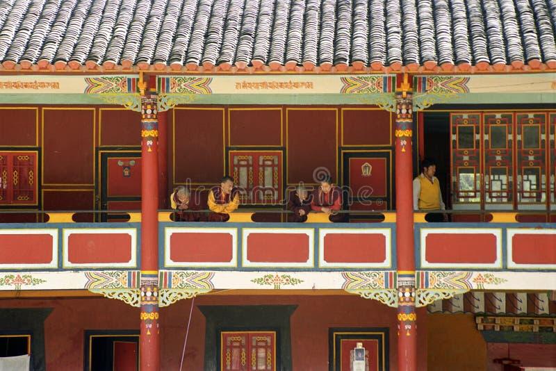 Corredor no templo do Buddhism imagem de stock royalty free