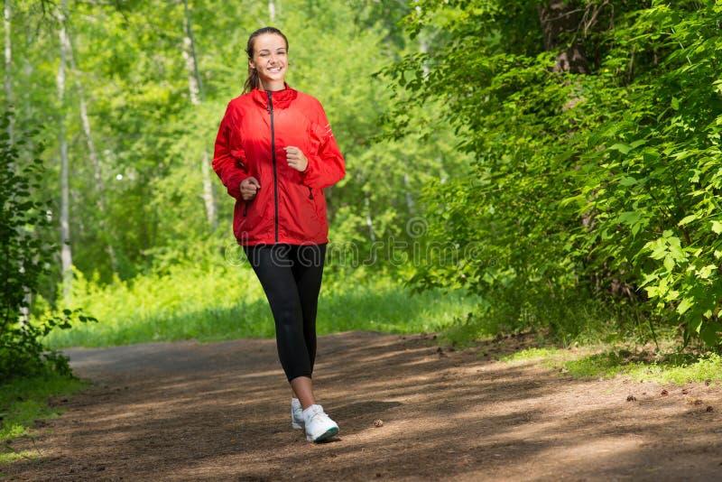 Corredor novo saudável do atleta fêmea imagens de stock royalty free