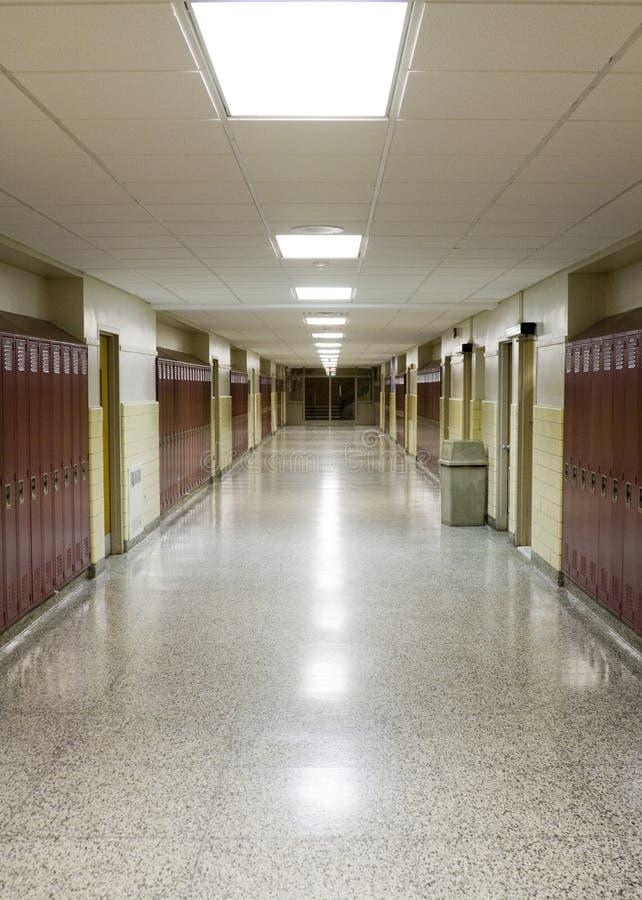 Corredor vazio da escola imagens de stock royalty free