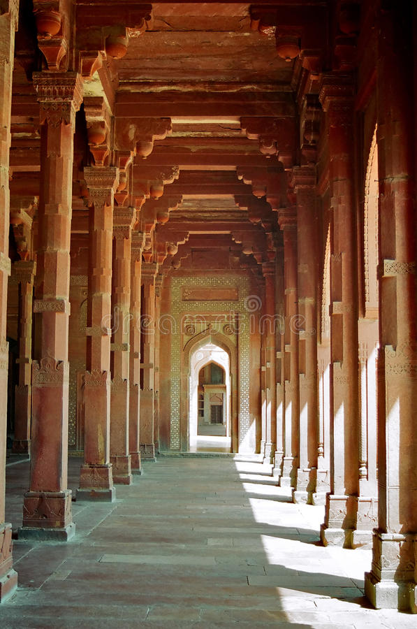 Corredor vermelho da coluna em Fatepur Sikri foto de stock
