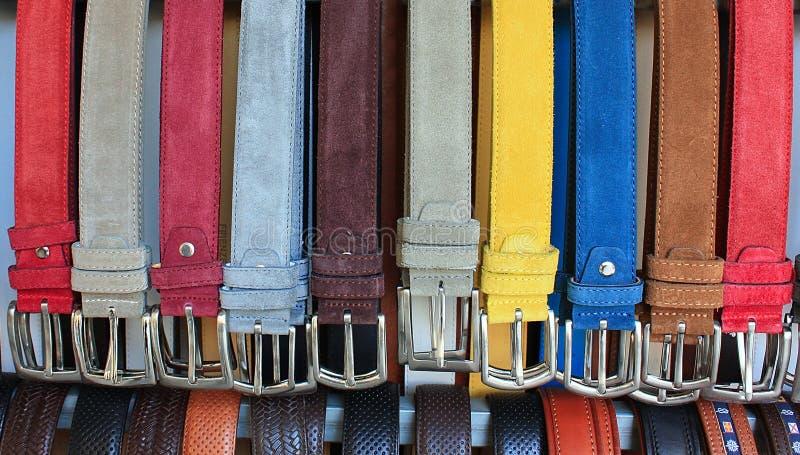 Correias de couro da cor imagens de stock