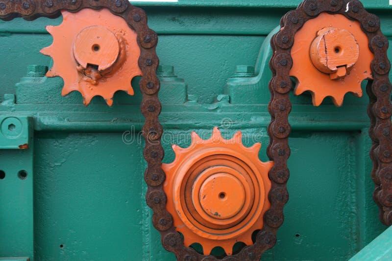 Corrente e rodas denteadas foto de stock