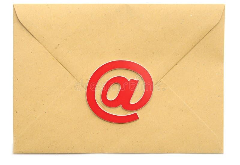 Correo con símbolo del correo electrónico imagen de archivo
