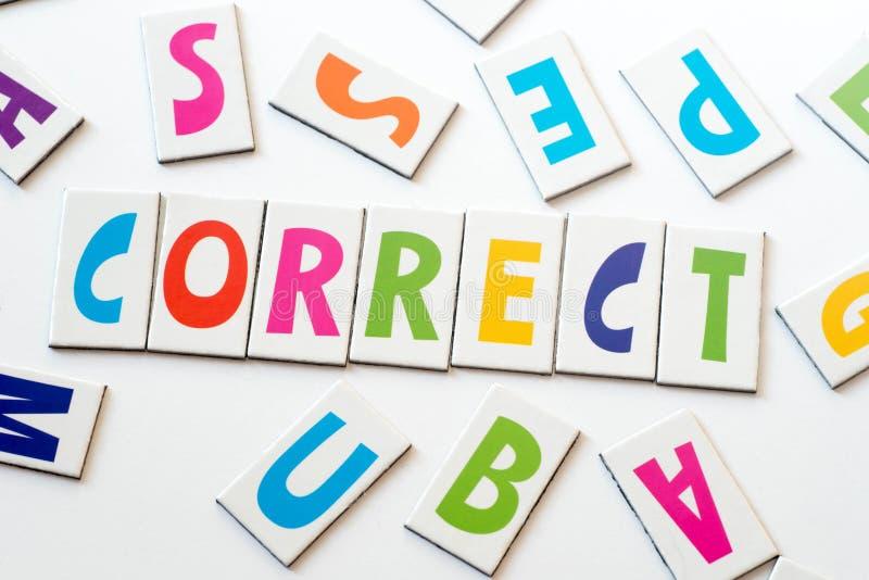 Correto da palavra feito de letras coloridas imagem de stock