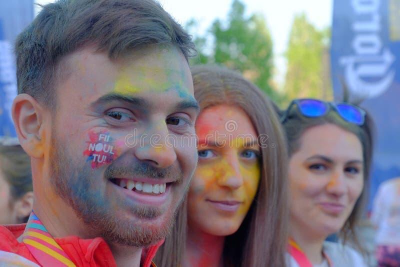 A corrida 2017 da cor em Bucareste, Romênia imagens de stock royalty free