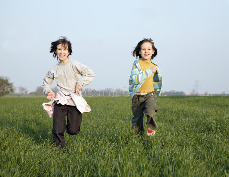 Corrida de niñas fotografía de archivo libre de regalías