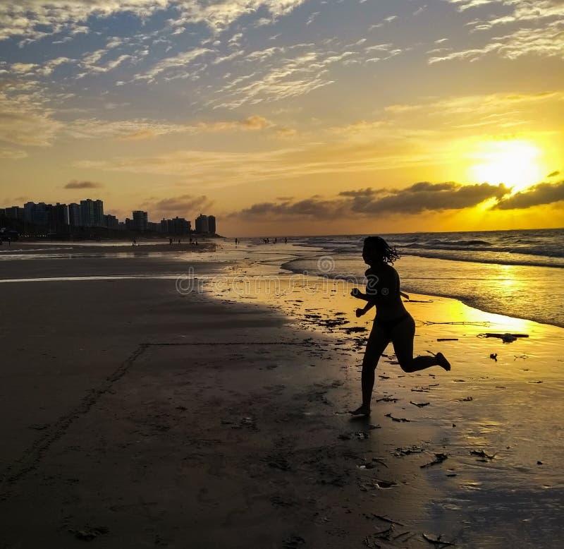 Corrida na praia fotografia de stock