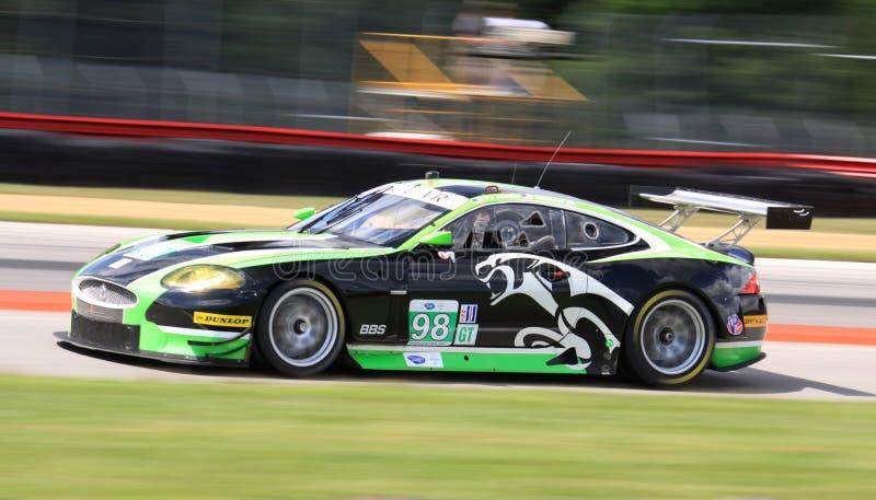 Corridas de carros super de Jaguar foto de stock
