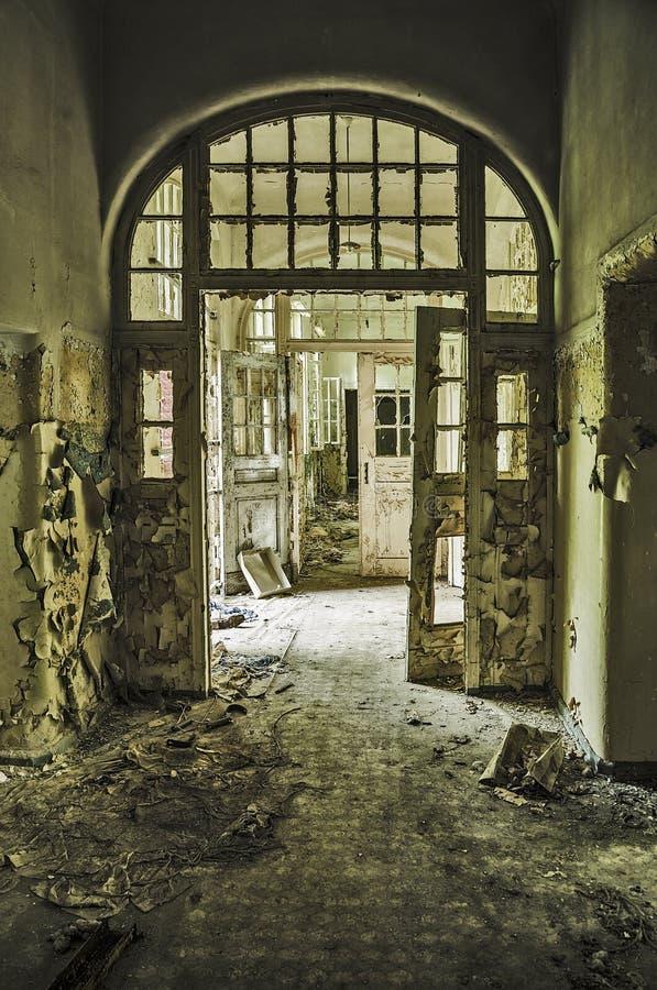 Corridoio abbandonato fotografie stock