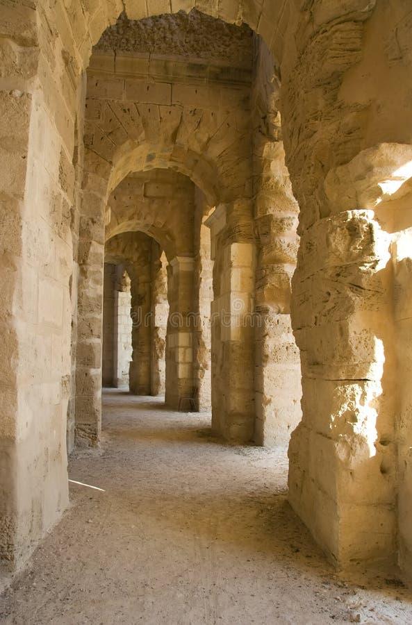 Corridoio antico con le rovine immagine stock