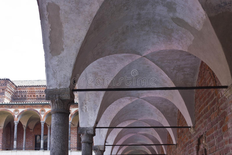 Corridoio del convento del lavabo dell'università pubblica di Milano immagini stock libere da diritti
