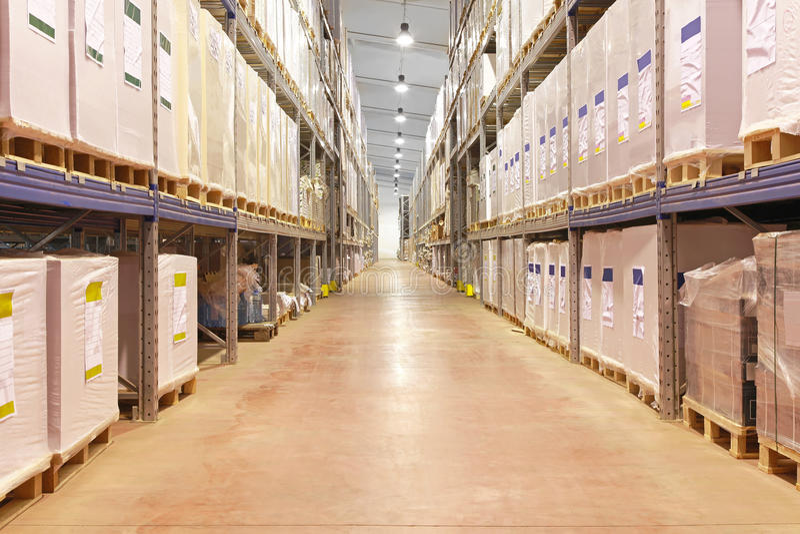 Corridoio del magazzino fotografia stock libera da diritti