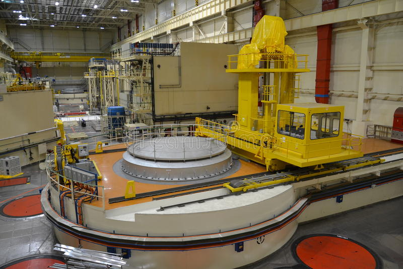 Corridoio del reattore nucleare in una centrale elettrica fotografie stock