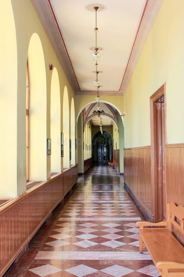 Corridoio del vecchio banco fotografia stock