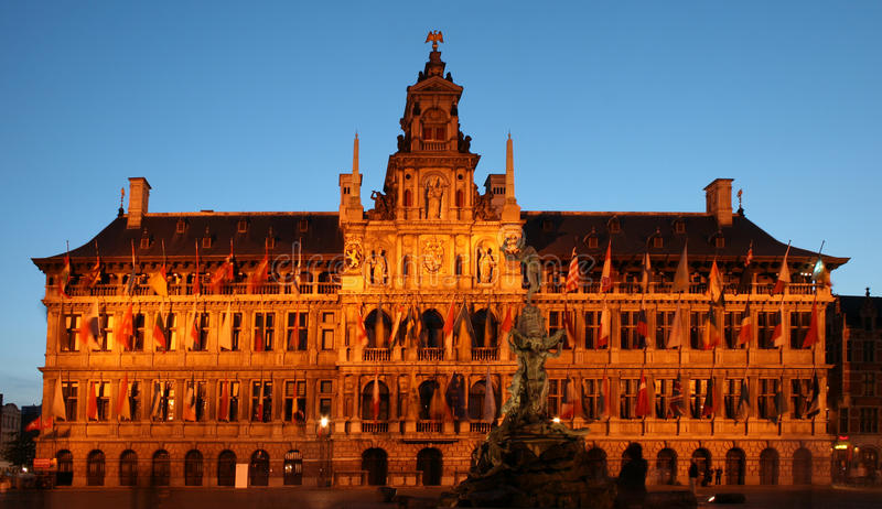 Corridoio di città a Anversa fotografie stock