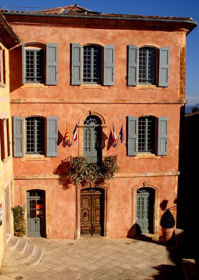 Corridoio di città del Roussillon fotografie stock libere da diritti