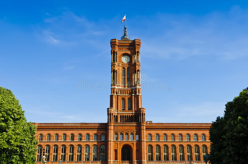 Corridoio di città rosso Berlino fotografie stock
