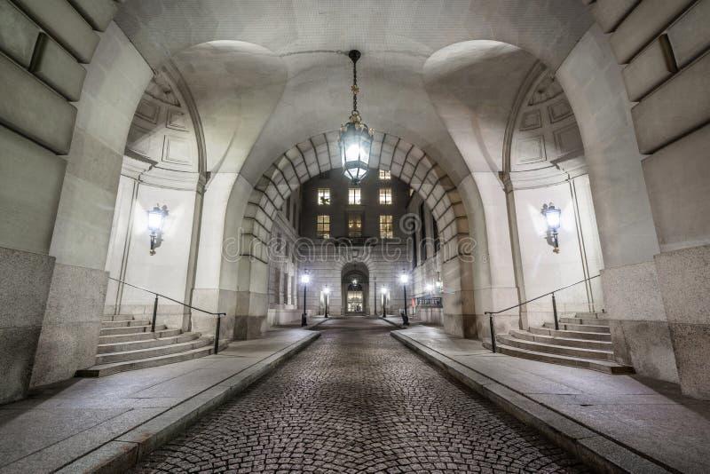 Corridoio esteriore a Ronald Reagan Building ed al centro in Washington, DC del commercio internazionale immagine stock