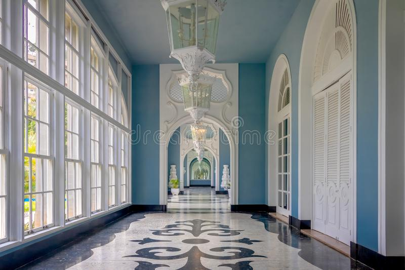 Corridoio hotel del casinò del palazzo di Quitandinha al precedente - Petropolis, Rio de Janeiro, Brasile immagini stock