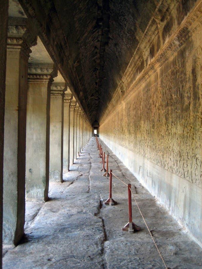Corridoio infinito di Ankgor Wat fotografie stock