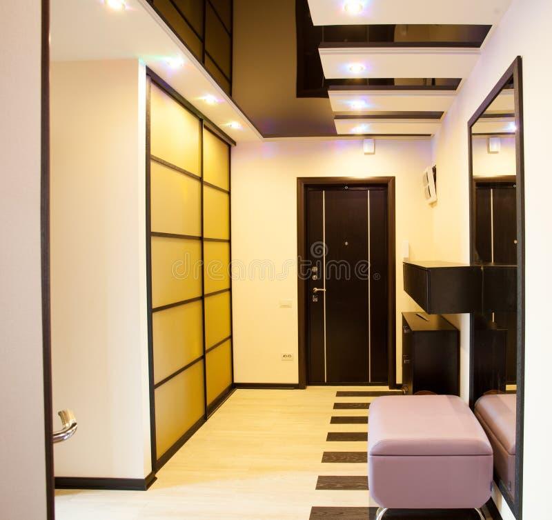 Corridoio interno immagini stock
