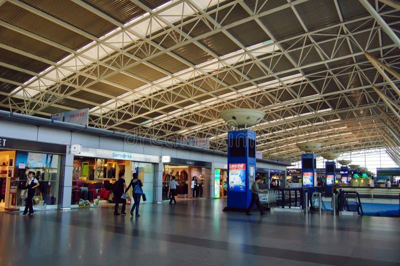 Corridoio nazionale di partenza all'aeroporto della Cina Shenzhen fotografia stock