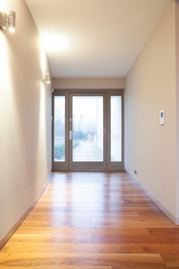 Corridoio non ammobiliato vuoto fotografia stock libera da diritti