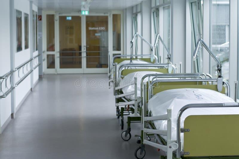 Corridoio in ospedale immagini stock