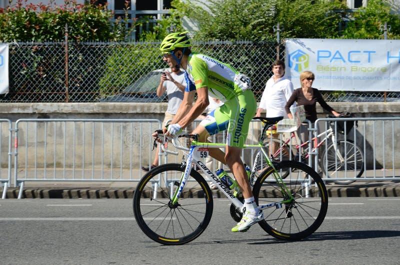Corridore ciclista alla novantanovesima corsa del ciclo fotografia stock libera da diritti