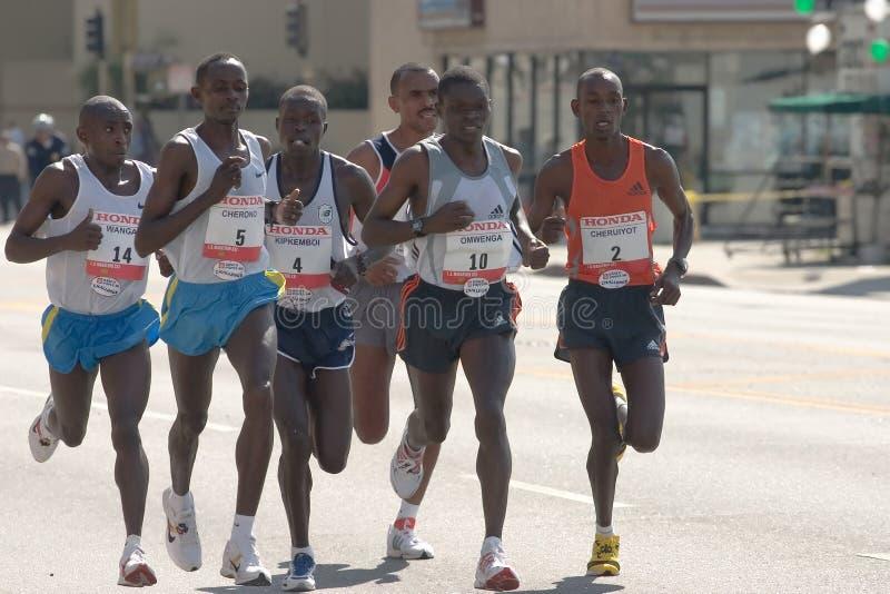 Corridori dell'elite di maratona di Los Angeles immagini stock