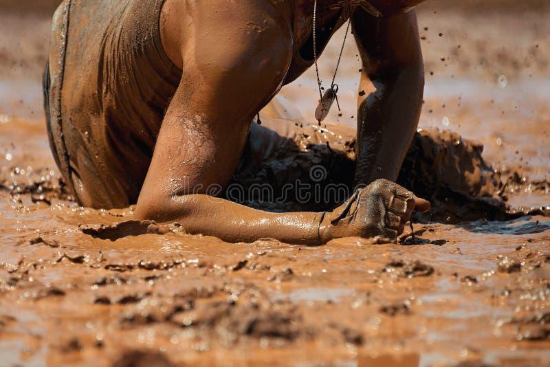 Corridori di corsa del fango fotografie stock libere da diritti
